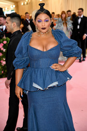 Paloma Elsesser sported blue nail art that matched her denim dress at the 2019 Met Gala.