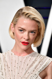 Jaime King wore her hair in a classic bob at the 2019 Vanity Fair Oscar party.