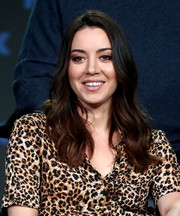 Aubrey Plaza framed her face with a gently wavy 'do for the 2019 Winter TCA Tour.