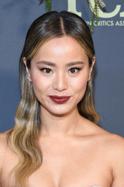 Jamie Chung sported a slick wavy hairstyle at the 2019 Fox Winter TCA Tour.