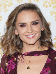Rachael Leigh Cook looked cute with her feathery lob at the 2019 Winter TCA Tour.