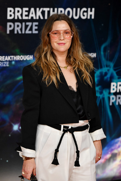 More Pics of Drew Barrymore Cropped Jacket (1 of 6) - Outerwear Lookbook - StyleBistro [fashion,premiere,street fashion,eyewear,long hair,event,carpet,style,fictional character,red carpet,drew barrymore,breakthrough prize,mountain view,california,nasa ames research center]