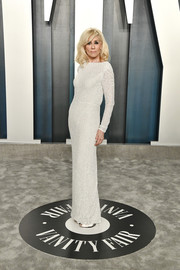 Judith Light looked simply elegant in a white sequined column dress by Balmain at the 2020 Vanity Fair Oscar party.