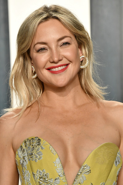 More Pics of Kate Hudson Diamond Hoops (3 of 11) - Hoop Earrings Lookbook - StyleBistro [hair,blond,face,hairstyle,lip,beauty,shoulder,yellow,eyebrow,long hair,radhika jones - arrivals,radhika jones,kate hudson,beverly hills,california,wallis annenberg center for the performing arts,oscar party,vanity fair,kate hudson,wallis annenberg center for the performing arts,celebrity,how to lose a guy in 10 days,vanity fair,oscar party,actor,photograph,party]