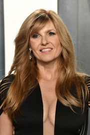 Connie Britton sported a long side-parted hairstyle at the 2020 Vanity Fair Oscar party.