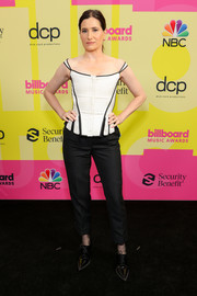 Kathryn Hahn chose a white Thom Browne corset top with black trim for the 2021 Billboard Music Awards.