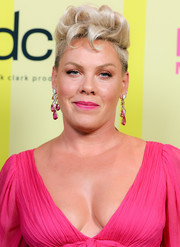 Pink added a dose of classic glamour with a pair of gemstone chandelier earrings by Anabela Chan.