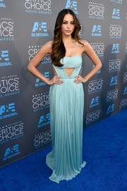 Genesis Rodriguez managed to pull off both sexy and graceful in a stunning pastel blue dress with cut-out details.