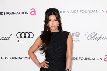 Kim Kardashian Smolders in Black at the 2012 Oscars Party