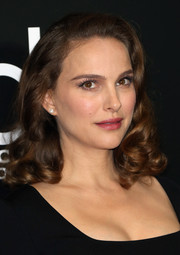 Natalie Portman framed her gorgeous face with ultra-feminine curls for the Hollywood Film Awards.