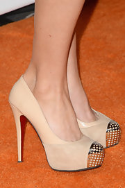 Keltie Colleen's nude pumps gave her a super chic and elegant look on the 'orange' carpet.