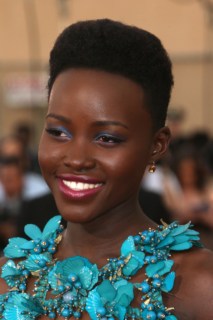 January 2014 Lupita Nyong O S Best Hair Looks Stylebistro