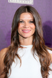Danielle Vasinova went boho with this long center-parted hairstyle at the 20th Century Fox Golden Globes party.