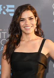 America Ferrera left her hair loose with edgy-glam waves when she attended the Critics' Choice Awards.