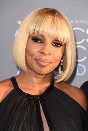 Mary J. Blige attended the Critics' Choice Awards wearing a perfectly cute bob.
