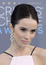 Abigail Spencer went for a low-key center-parted bun when she attended the Critics' Choice Awards.