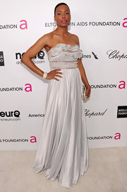 Aisha Tyler opted for an elegant and feminine gown with beaded and ruffled bodice for her 2013 Oscar-party look.