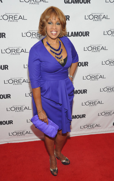 Gayle King was chic in purple at the 'Glamour' awards in NYC. She topped off look with metallic embellished peep-toe pumps.