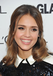 Jessica Alba wore her hair in a lovely half-up, half-down 'do at the 'Glamour' Women of the Year Awards.