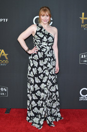 Bryce Dallas Howard was spring-glam in a black-and-white floral one-shoulder gown by Cinq à Sept at the Hollywood Film Awards.