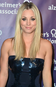 Kaley Cuoco is known for her sleek blonde tresses, which she brought out in full force at 'A Night at Sardi's' gala in Beverly Hills.