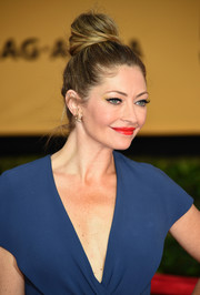 Rebecca Gayheart worked the SAG Awards red carpet wearing a towering top knot.