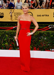 Kaley Cuoco-Sweeting looked svelte and chic in a strapless red column dress by Romona Keveza at the SAG Awards.