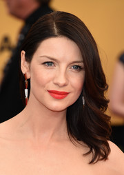 Caitriona Balfe kept it classic and feminine with this feathery 'do at the SAG Awards.
