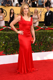 Edie Falco went for simple sophistication in this red Randi Rahm gown during the SAG Awards.