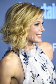 Julie Bowen looked adorable with her curled-out bob at the Critics' Choice Awards.