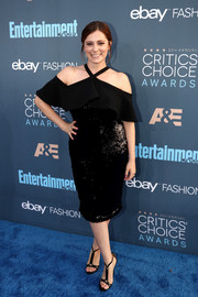 Black T-strap sandals finished off Rachel Bloom's elegant attire.
