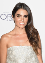 Nikki Reed looked beautiful with her gently wavy side sweep at the Elle Women in Hollywood Awards.