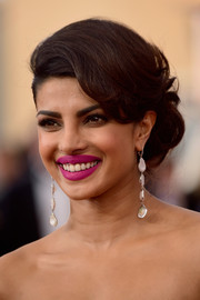 Priyanka Chopra looked gorgeous at the SAG Awards wearing this perfectly styled loose bun.