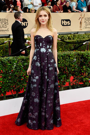 Kiernan Shipka made an ultra-sophisticated choice with this strapless jacquard corset gown by Erdem for her SAG Awards look.