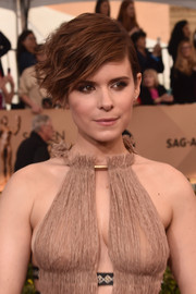 Kate Mara attended the SAG Awards wearing her hair in a windswept, wavy style.