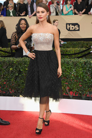 Sofia Vergara went for easy glamour in a beaded strapless cocktail dress by Zuhair Murad at the SAG Awards.