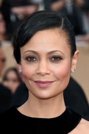 Thandie Newton sported a classic side-parted bun at the SAG Awards.
