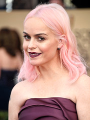 Taryn Manning hit the SAG Awards rocking cotton candy-pink hair!