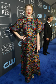 Judy Greer brought a splash of color to the 2019 Critics' Choice Awards with this intricately embroidered gown by Reem Acra.