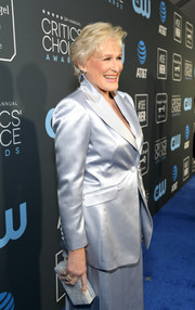 Glenn Close accessorized with a marbled box clutch by Edie Parker at the 2019 Critics' Choice Awards.