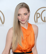 Amanda wore her Repunzel-length hair down sleek and straight for the 2013 Producers Guild Awards.