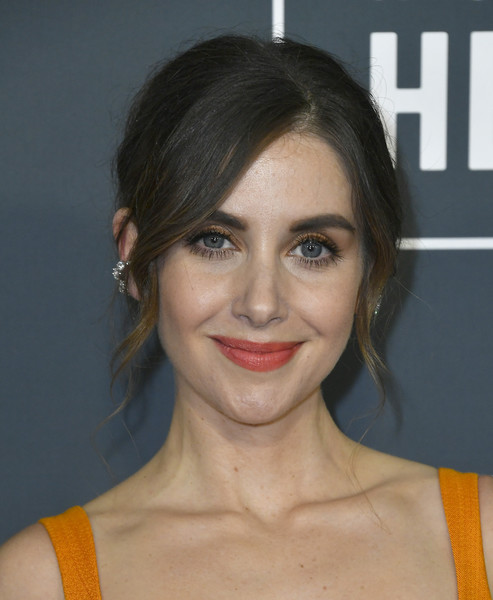 Alison Brie looked romantic and elegant with her loose bun at the 2020 Critics' Choice Awards.