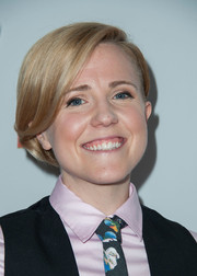 Hannah Hart wore her hair in a cute bob at the 2014 GLAAD Media Awards.