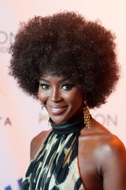 Naomi Campbell got into a '70s groove for the GLAAD Media Awards, wearing this head-turning afro.