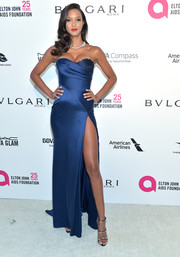 Lais Ribeiro polished off her look with a pair of bedazzled strappy sandals by Giuseppe Zanotti.