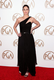 Sarah Wayne Callies looked gorgeous in a flowing black gown with cutout shoulder detail by Bruce Oldfield.