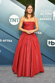 Jennifer Garner looked sweet in a red spaghetti-strap gown by Dolce & Gabbana at the 2020 SAG Awards.