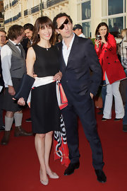 Sophie Marceau paired a LBD with nude ballet-flat inspired pumps.