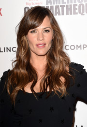 Jennifer Garner topped off her look with flowing waves and side-swept bangs during the American Cinematheque Award.