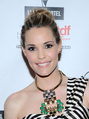 Leslie Bibb was fresh-faced at the Lucille Lortel Awards with this lovely loose bun.